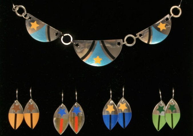 Adding Custom Color Designs to Metal Clay with Helga van Leipsig